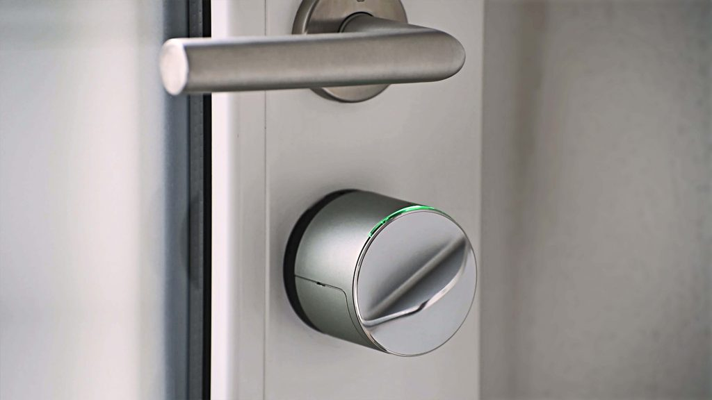 Danalock_V3_kljucavnica na vratih oddajanje