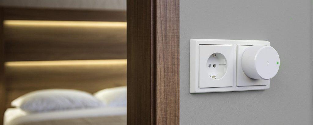 Danabridge V3 in wall socket